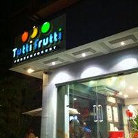 Photo taken at Tutti Frutti FroYo by Zeeshan S. on 4/10/2012