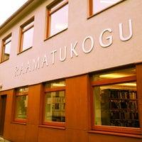 Photo taken at Pelguranna raamatukogu by Mark M. on 9/1/2012