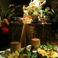Photo taken at Mengrai Gourmet Thai by Kim L. on 6/30/2012