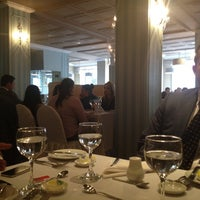 รูปภาพถ่ายที่ Hotel Augusta โดย JAIR V. เมื่อ 5/15/2012