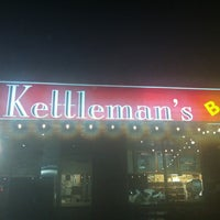 Photo taken at Kettleman's Bagel Co by Carl C. on 5/4/2012