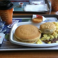 Photo taken at McDonald's by Ang S. on 8/26/2012