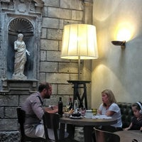 Foto diambil di Il Salumaio Di Montenapoleone oleh Giovanna pada 9/8/2012