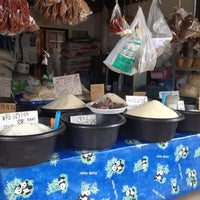 Photo taken at ร้านข้าวสารแม่หล้า by TOM O. on 6/24/2012