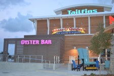 TAILFINS Ale House & Oyster Bar