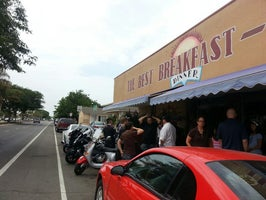 The Best Breakfast and Lunch Cafe