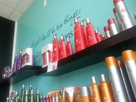 It's Fabulous (a salon experience)