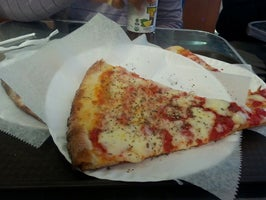 Red Stone Pizzeria & Cafe