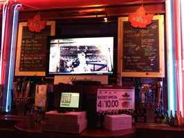 Zebb's Deluxe Grill & Bar