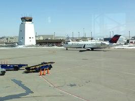 Sioux Falls Regional Airport (FSD)