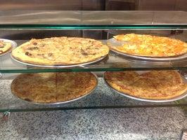 Axis Pizza Cafe & Salad Bar