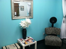 Girl, Who Does Your Hair? Salon&Studio