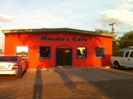 manolo's cafe