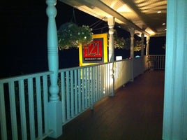 121 Restaurant & Bar