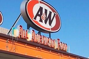 A&W 名護店