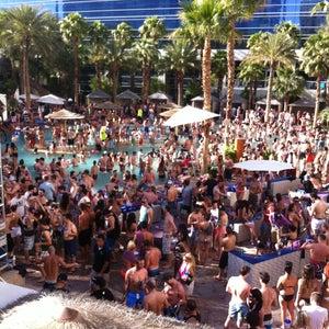 16 Places Including Rehab Drai S Beach Club Nightclub Daylight Bare Pool Lounge Grand Complex Lazy River