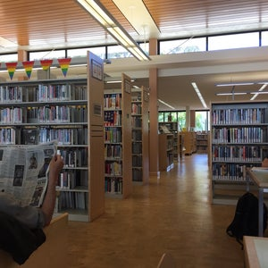 Photo of Eureka Valley / Harvey Milk Memorial Branch Library