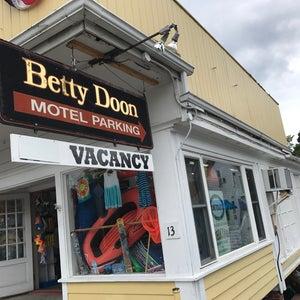Photo of Betty Doon Motor Hotel
