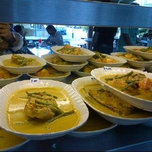 Lists featuring restoran ubi kayu usj 9 taipan for Alissara thai cuisine