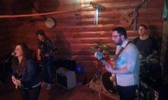 Moonshiners Pub & Grub
