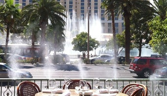 The 15 Best Places for People Watching in Las Vegas