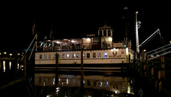 River Lady Cruise and Dinner Bt