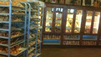 El Bolillo Bakery