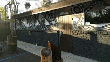 Sail Inn Grotto & Bar
