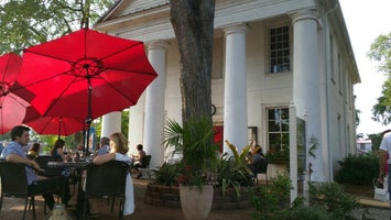 1826 Bistro On The Green