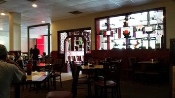 Hunans Buffet / Sushi & Grill