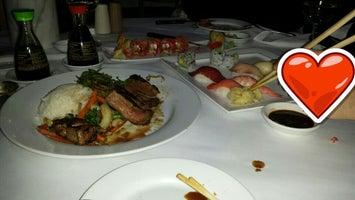 Golden Rolls Sushi Bar & Grill
