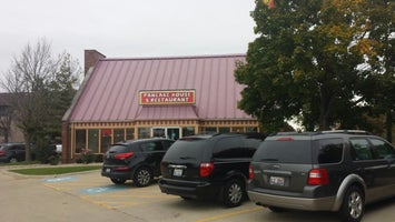 Uncle Toms Pancake House & Resturant