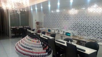 Luxe Beauty Nail Salon