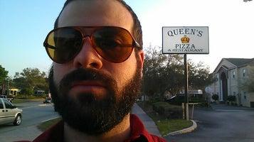 Queen's Pizza & Restaurant