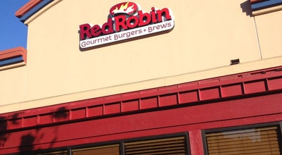 Photo of Burger Joint Red Robin Gourmet Burgers at 2204 Bridgepointe Pkwy, Foster City, CA 94404, United States