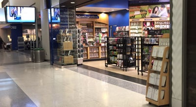 Photo of Bookstore Hudson Booksellers & Papyrus at Terminal C2 - By Gate C102, Newark, NJ 07201, United States