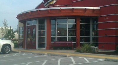 Photo of American Restaurant Red Robin Gourmet Burgers at 4300 W Walnut St, Rogers, AR 72756, United States