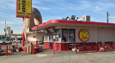 Photo of Restaurant Louis Jr Burgers at 8425 S La Cienega Blvd, Inglewood, CA 90301, United States