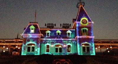 Photo of Theme Park Hong Kong Disneyland 香港迪士尼樂園 at Fantasy Rd, Hong Kong, Hong Kong