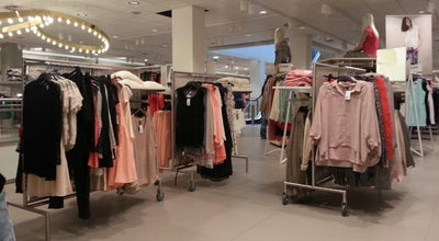 Photo of Clothing Store H&M at Elsensesteenweg 15-19 Chaussée D'ixelles, Elsene / Ixelles 1050, Belgium