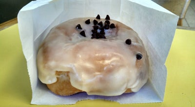 Photo of Restaurant Stan's Doughnuts at 658 N Moorpark Rd, Thousand Oaks, CA 91360, United States