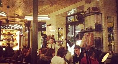 Photo of French Restaurant Le Saint Regis at 6 Rue Jean Du Bellay, Paris 75004, France