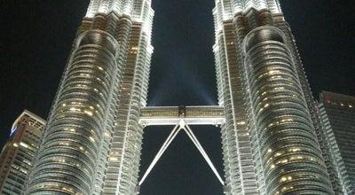 Photo of Building PETRONAS Twin Towers at Kuala Lumpur City Centre, Kuala Lumpur 50088, Malaysia