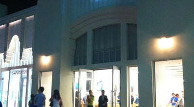 Photo of Electronics Store Apple Lincoln Road at 1021 Lincoln Road, Miami Beach, FL 33139, United States