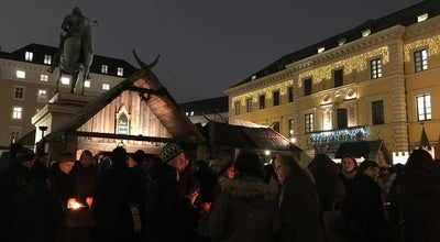 Photo of Plaza Historischer Christkindlmarkt Wittelsbacherplatz at Am Wittelsbacherplatz, Munich, Germany