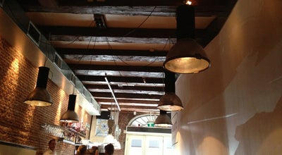 Photo of Modern European Restaurant Cafe Restaurant In de Buurt at Lijnbaansgracht 246, Amsterdam 1017 RK, Netherlands