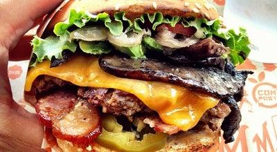 Photo of American Restaurant Super Duper Burgers at 2304 Market St, San Francisco, CA 94114, United States