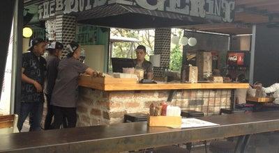 Photo of Burger Joint Chef Burguer Los Contenedores at Avenida Las Vegas, Envigado, Colombia