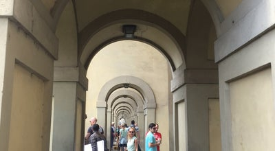 Photo of Tourist Attraction Fratelli Piccini Gioiellieri at Ponte Vecchio, 21/23 R, Florence 50125, Italy