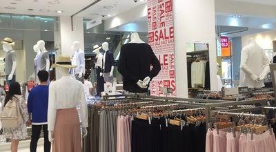 Photo of Clothing Store Uniqlo at 마포구 양화로 176, 서울특별시 04051, South Korea